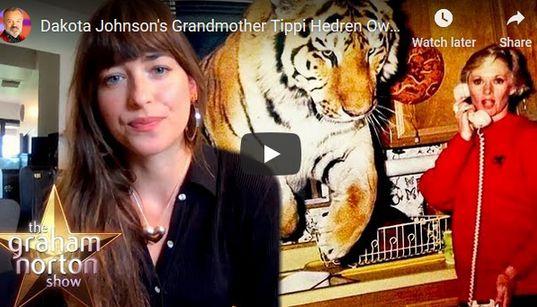 Ντακότα Τζόνσον: Η γιαγιά μου Τίπι Χέντρεν ζει με 13 λιοντάρια και τίγρεις - Ποια είναι η σταρ του