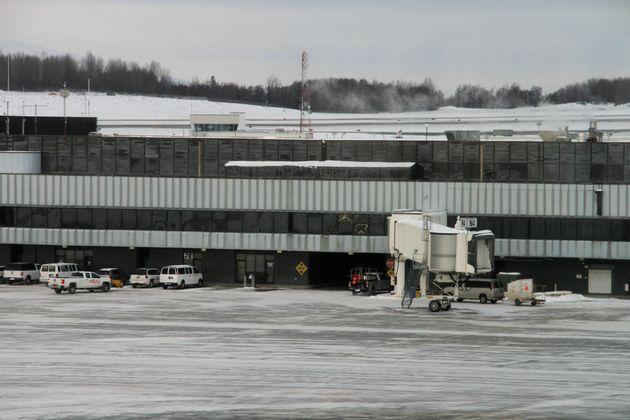 Πώς ένα μικρό αεροδρόμιο στην Αλάσκα έφτασε να είναι το πιο απασχολημένο στον