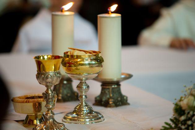 Plus de 40 personnes contaminées en Allemagne après une messe, malgré les gestes...