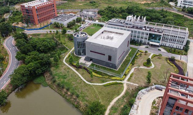 Le laboratoire P4 situé sur le campus de l'Institut de virologie de Wuhan est au cœur de...