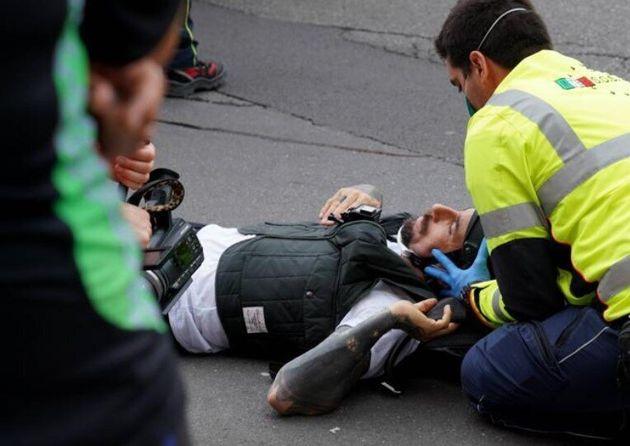 L'aggressione all'inviato di Striscia la notizia Vittorio Brumotti che stava filmando lo spaccio a