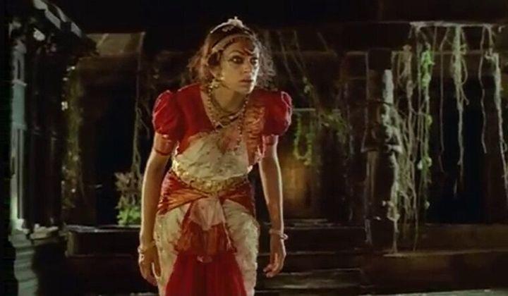 Shobana in 'Manichithrathazhu'