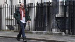 El asesor principal de Boris Johnson, acusado de violar la cuarentena con síntomas de