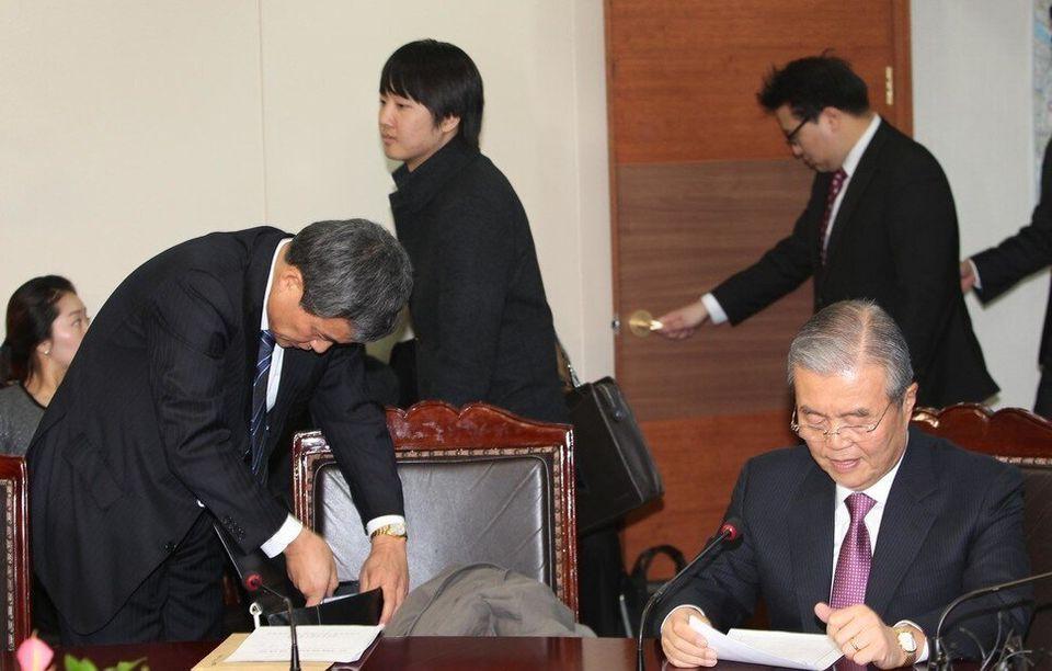 2011년 한나라당 비대위에 참여한 김종인. '선거불패 신화'는 이때가 시작이었다. 이상돈과 김종인과 이준석이 나란히 찍혔다. 이준석은 이때 앞머리를 내렸다....
