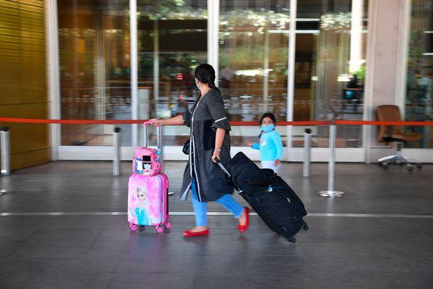 Προειδοποίηση από επιστήμονες: Δέκα λόγοι που τα «διαβατήρια ανοσίας» είναι κακή