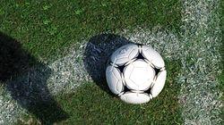 Malgré les interdictions, 400 personnes assistent à un match de foot à