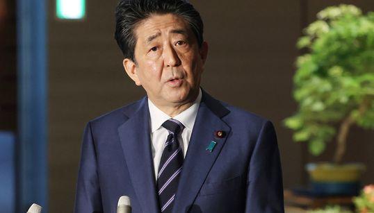 「夜の繁華街」に感染症対策で最大200万円。安倍首相が支援策を表明