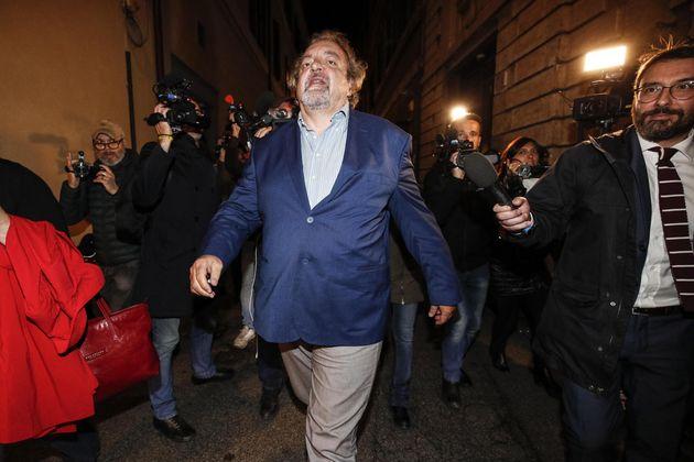 """Matteo Salvini nelle mani del """"garantista"""" Giarrusso"""