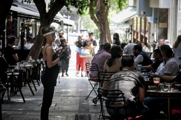 Τέσσερα νέα κρούσματα κορονοϊού στην Ελλάδα - Κατέληξε άλλος ένας