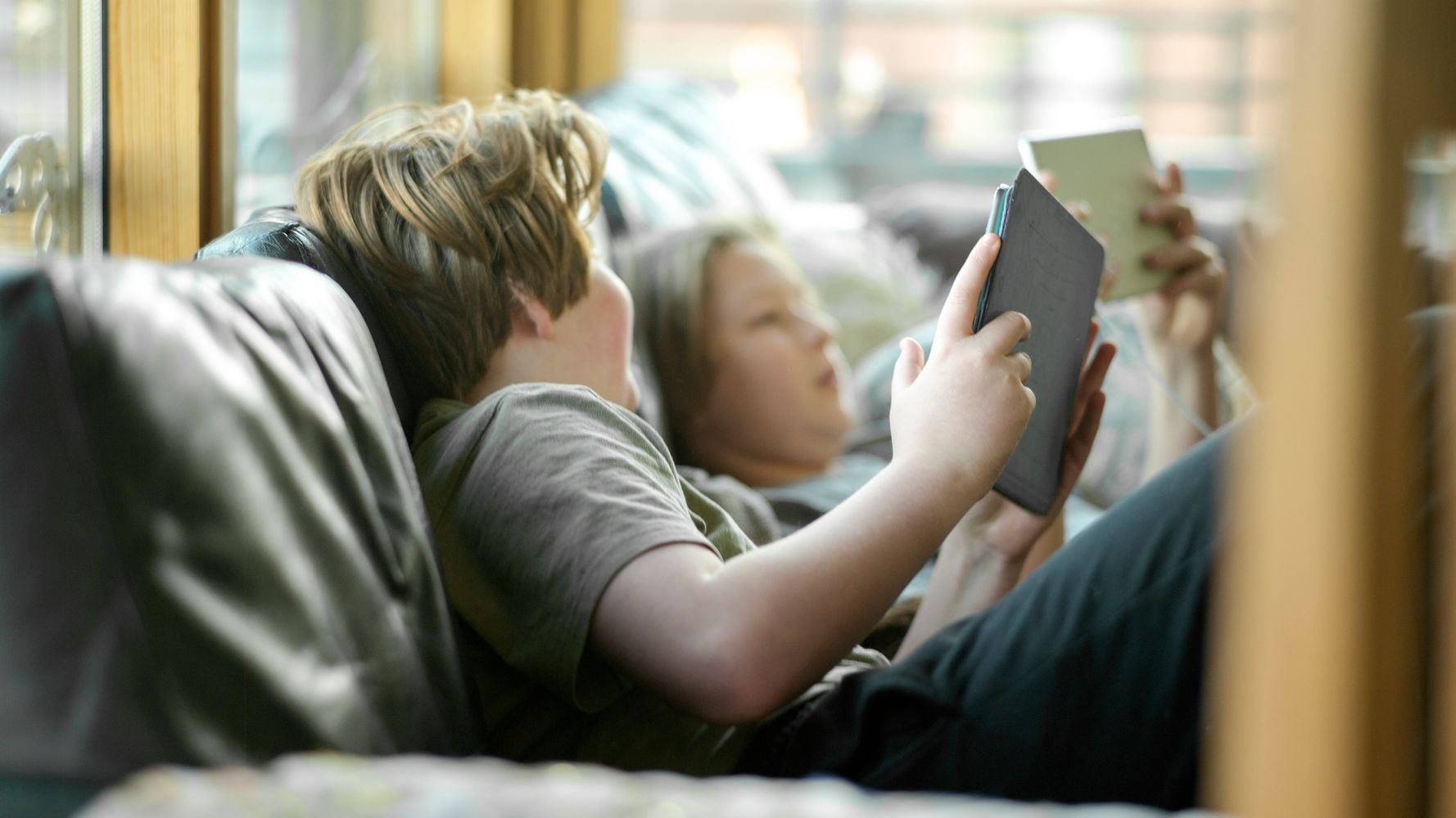 A Damage Control Guide For Parents Whose Kids Are On Screens All Day