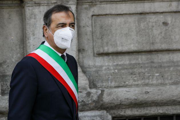 Milano vieta la vendita di bevande da asporto dopo le