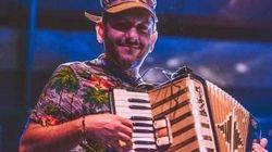 Condenan la agresión a un músico de Granada por exhibir una bandera