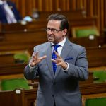 Bloc Leader Rips Liberals, Tories For Receiving Wage