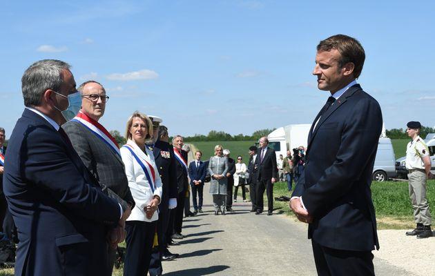 Emmanuel Macron et Xavier Bertrand face à face le 17 mai lors de la cérémonie de