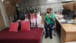Κολομβία: Yπάλληλοι κοιμούνται στα εργοστάσια για να προστατευτούν από τον