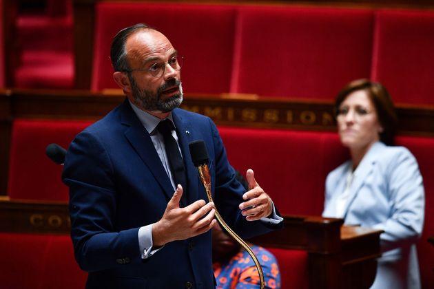 Édouard Philippe a annoncé que les dispositions du chômage partiel demeureraient...