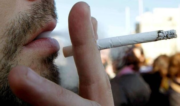 El motivo por el que no debes fumar después de usar gel hidroalcohólico según