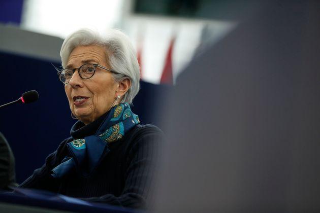 Λαγκάρντ: Συρρίκνωση 8%-12% της οικονομίας της Ευρωζώνης το