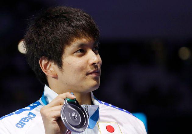 競泳の2017年世界選手権50メートル背泳ぎで銀メダルに輝く古賀選手