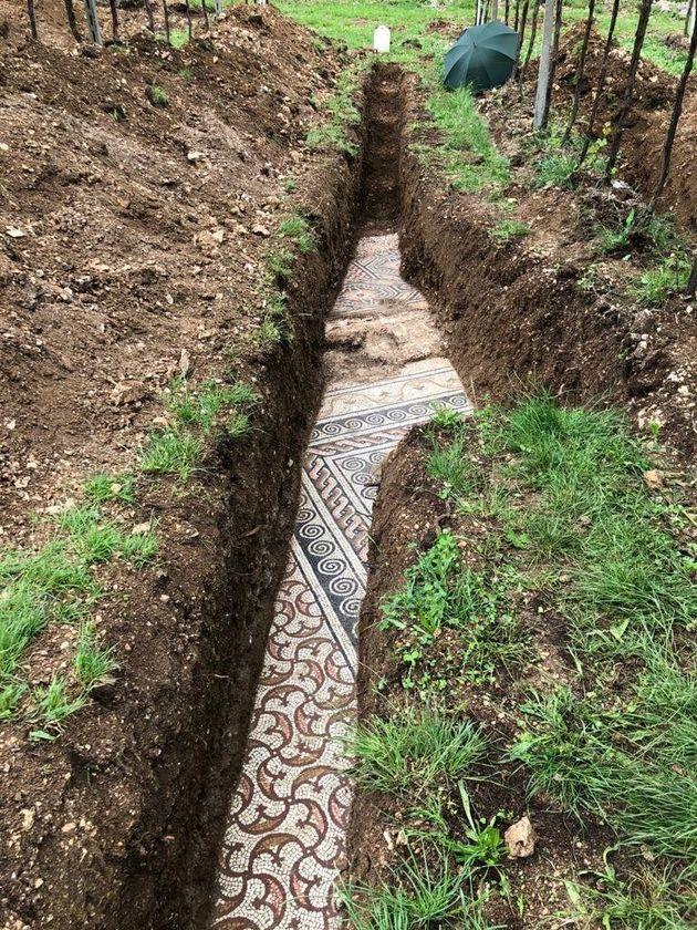 Des techniciens de Vérone, grâce à un carottage ciblé du sol, ont découvert...