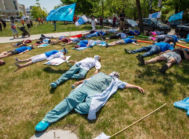 Des infirmières ont manifesté devant l'hôpitalMaisonneuve-Rosemont,