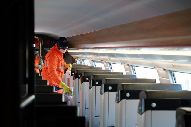 Avec l'épidémie de coronavirus, la SNCF a dû prendre des mesures sanitaires