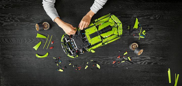 Lego lança Lamborghini Sián FKP 37.