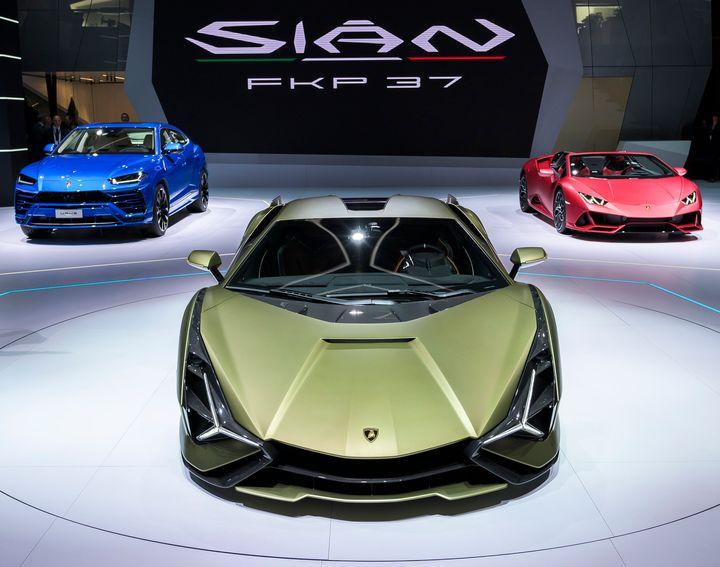 Lamborghini Sián FKP 37 no lançamento oficial do carro em setembro de 2019.