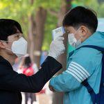 Nuovo picco dei contagi, la Corea del Sud fa dietrofront: tornano le