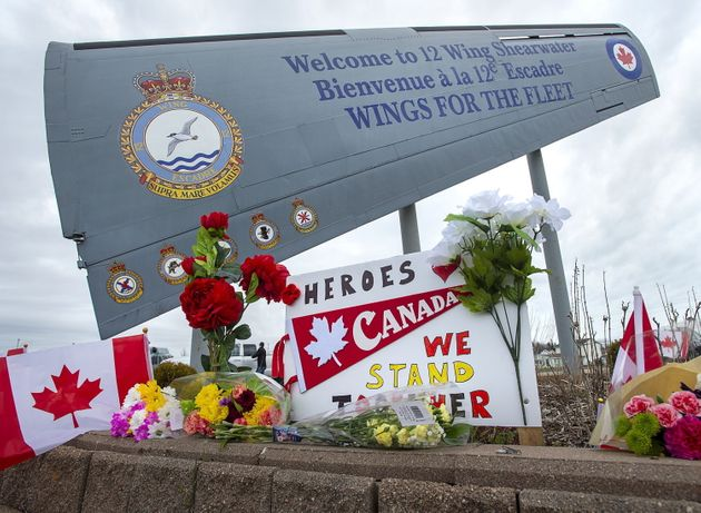 A memorial in Dartmouth, N.S., pays respect to the victims of a Canadian military helicopter crash on...