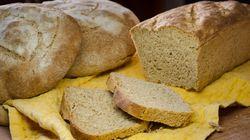 Αφράτο ψωμί με αλεύρι ολικής άλεσης και προζύμι ή