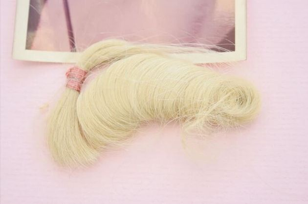 Στο «σφυρί» τούφα από τα μαλλιά της Μέριλιν Μονρόε την βραδιά που τραγούδησε στον