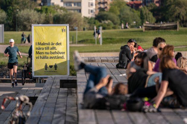 Malmo, Suecia, el 26 de mayo. El cartel dice: