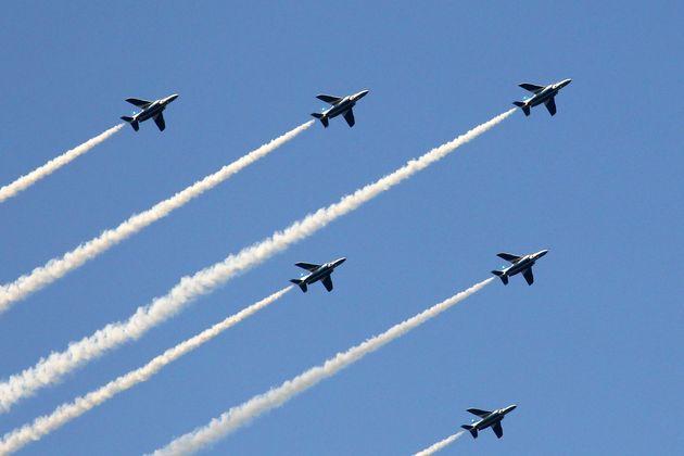 2014年5月31日の国立競技場最後のイベントで飛行したブルーインパルス