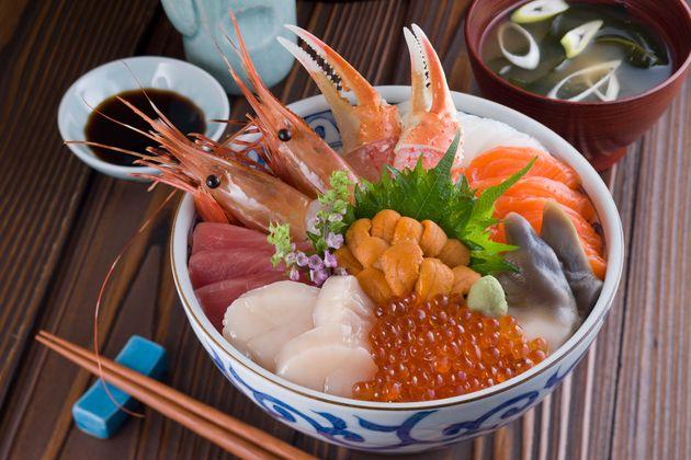 おうちで「海鮮丼」を味わうのもいいですね。