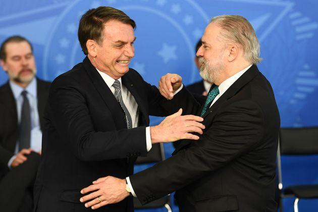 Bolsonaro diz 'esperar' que ninguém do STF 'desapareça', mas que Aras seria nome para outra