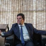Moro sugere que Bolsonaro deixou de vetar trechos no projeto anticrime para proteger