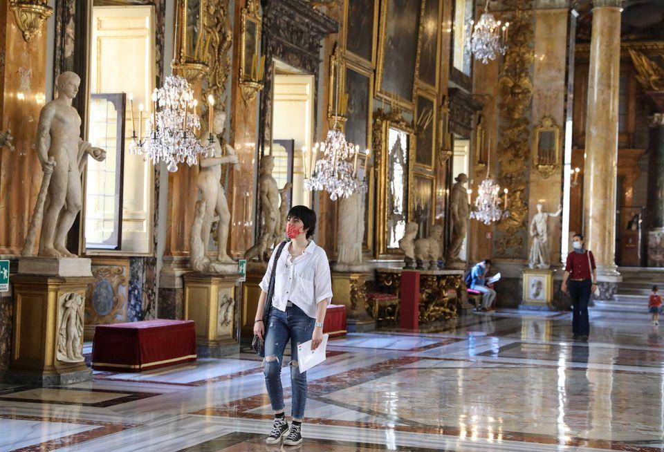 Μια πρώτη ματιά στη νέα κανονικότητα των ευρωπαϊκών μουσείων - Πότε ανοίγει η Γαλλία το