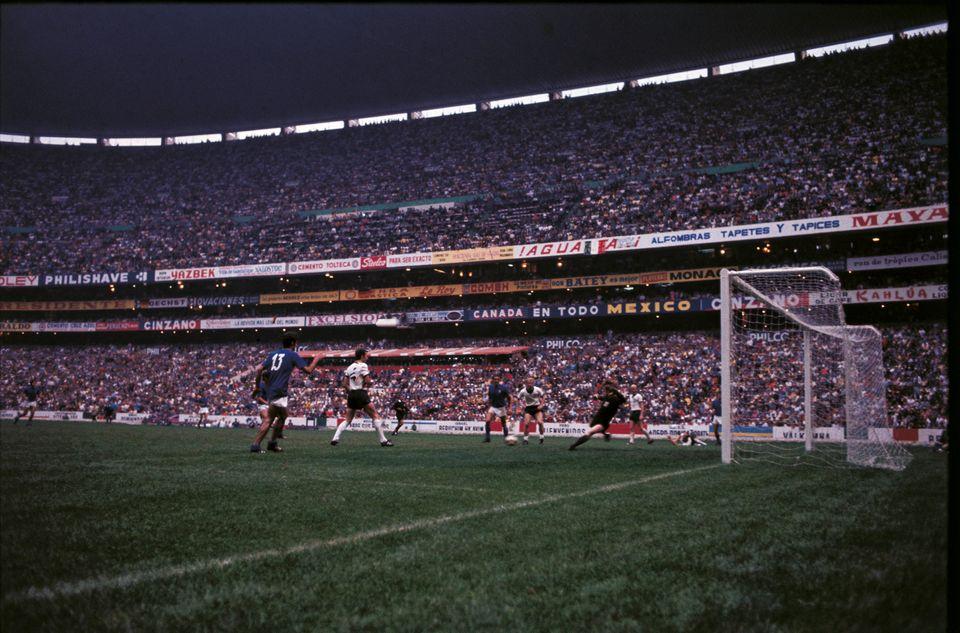 Il gol della vittoria di Gianni Rivera durante la semifinale