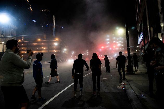 Συγκρούσεις διαδηλωτών-αστυνομικών στο Ντιτρόιτ