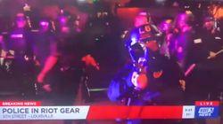 Poliziotto spara proiettili al peperoncino alla giornalista in diretta tv