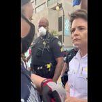 El gesto de la jefa de Policía de Atlanta con los manifestantes que han visto más de 7 millones de