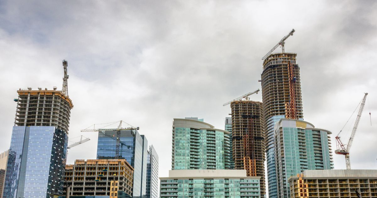 Many New Investors Losing Cash As Toronto Condo Rents Drop: Report