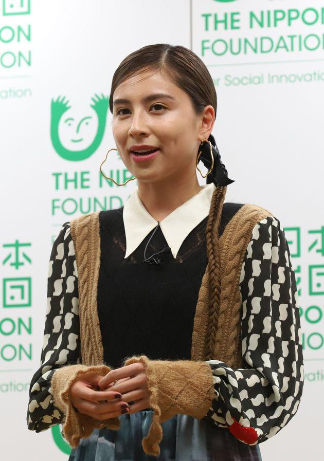 日本財団が主催する「True Colors Festival-超ダイバーシティ芸術祭-」の記者会見に出席した、モデルのラブリさん(東京都)