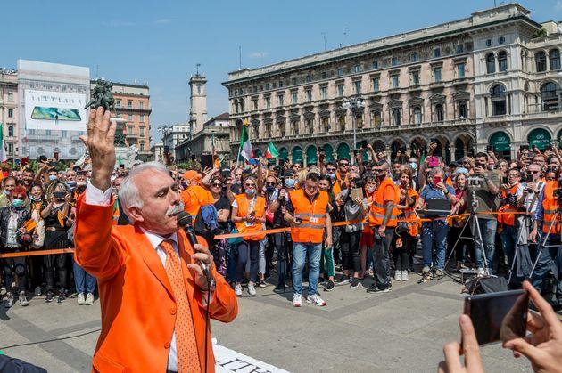 Chi è Antonio Pappalardo, a capo dei gilet arancioni che hanno invaso