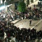 Movida con il sindaco ad Avellino. Folla tra cori e pugni alzati: