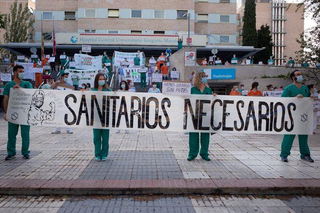 Sanitarios se manifiestan frente al Hospital Gregorio Marañón el pasado 25 de