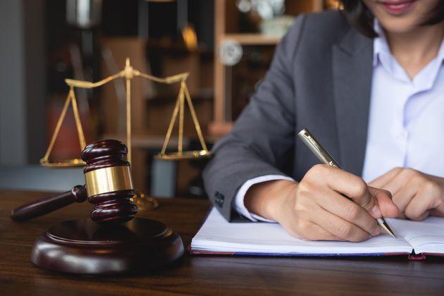 Aide juridique: les seuils d'admissibilité arrimés au salaire
