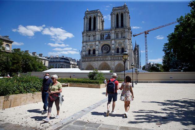 Γαλλία: Ανοιξε για το κοινό το προαύλιο της Νοτρ Νταμ