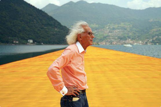 """L'artiste plasticien Christo, dernier survivant du duo """"Christo et Jeanne-Claude"""", célèbre pour ses réalisations monumentales consistant notamment à emballer des monuments, est décédé à l'âge de 84 ans.>>> Lire notre article complet ici"""